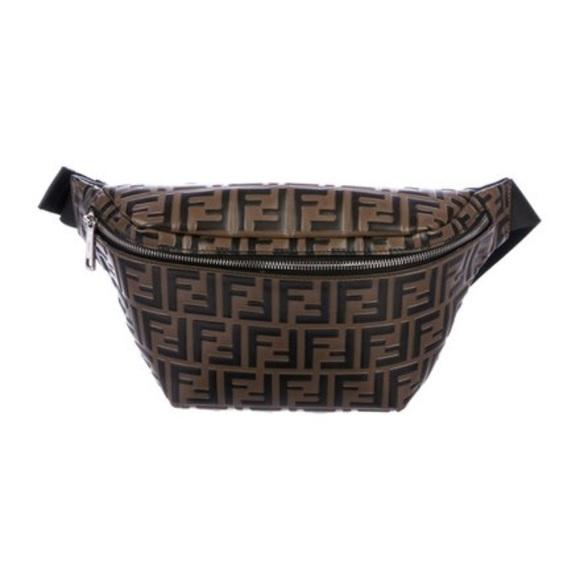 les dernières nouveautés recherche de liquidation se connecter 2018 Embossed Leather Fendi Waist Bag